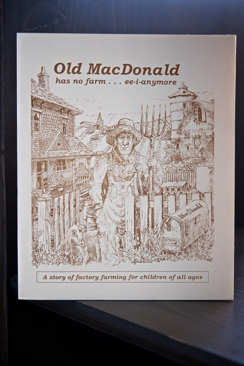 Old MacDonald has no farm book cover